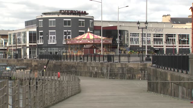exterior shots of a quiet cardiff city centre during lockdown on 11 may 2020 in cardiff, united kingdom - カーディフ点の映像素材/bロール