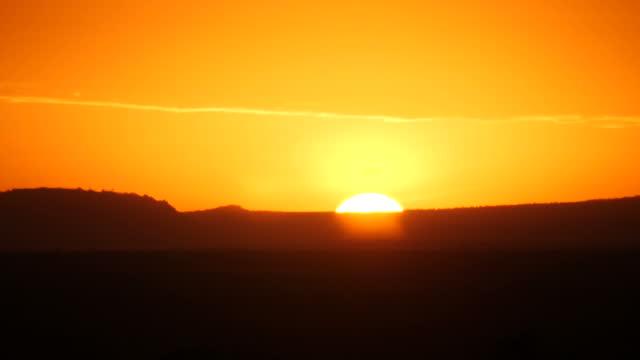 vídeos y material grabado en eventos de stock de exterior shots of a sunrise over the ol pejeta nature conservancy on 2nd august 2017 in liakipia, kenya - the nature conservancy