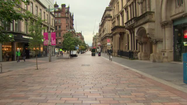 exterior shots of a very quiet glasgow city centre as new lockdown restrictions are imposed on the 2nd september 2020 in glasgow, scotland - silence stock videos & royalty-free footage