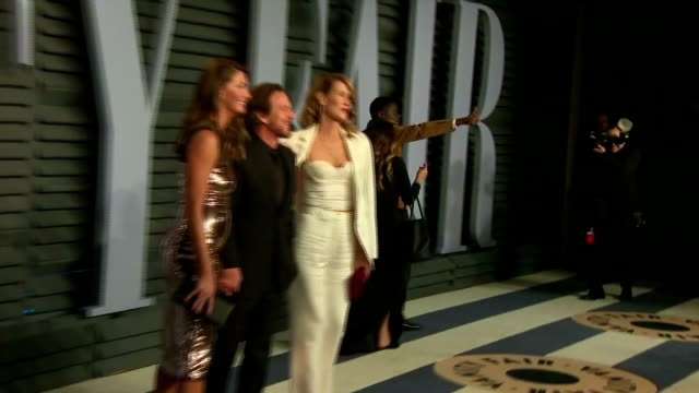 exterior shots of actors daniel kaluuya laura dern sarah hyland and danai gurira on the red carpet at the vanity fair oscars afterparty>> on march 04... - vanity fair oscar party stock videos & royalty-free footage