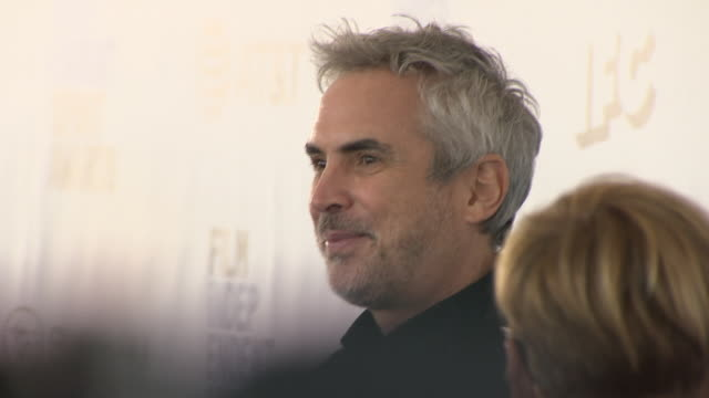 exterior shots of alfonso cuaron on the red carpet of the 2019 film independent spirit awards on 23th february 2019 in santa monica california - alfonso cuaron stock videos & royalty-free footage