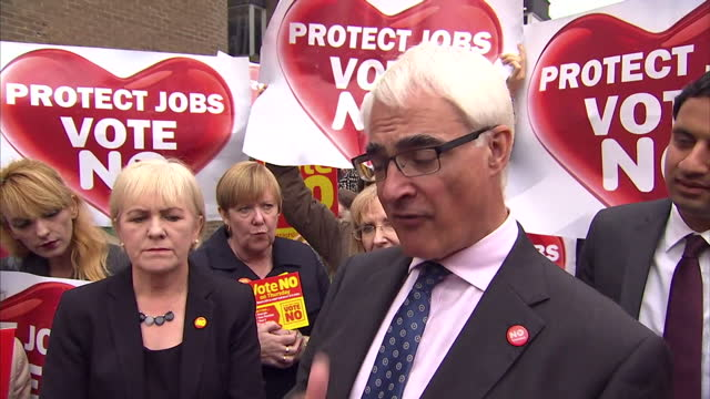 exterior shots of alistair darling addressing 'vote no' campaigners whilst scottish deputy labour leader anas sarwar listens surrounded by vote no... - alistair darling stock videos & royalty-free footage