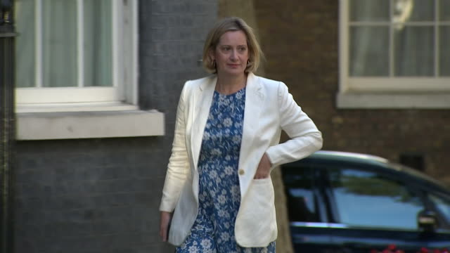 exterior shots of amber rudd secretary of state for work and pensions and minister for women and equalities arriving at 10 downing street for cabinet... - minister stock-videos und b-roll-filmmaterial