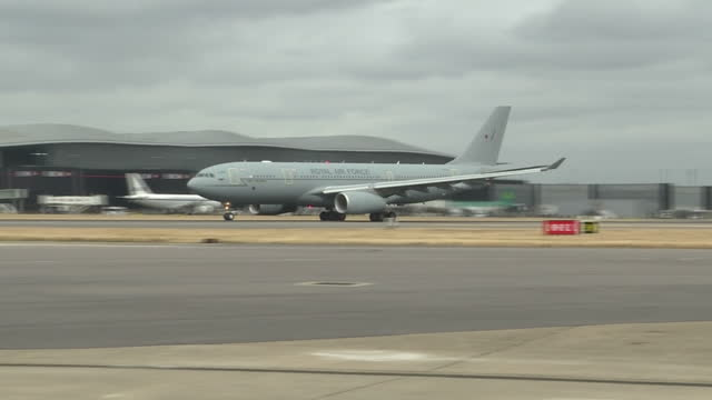exterior shots of an raf plane taking off carrying theresa may and philip hammond, en route to the g20 summit in china on september 03, 2016 in... - smart casual stock videos & royalty-free footage
