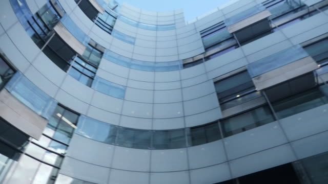vidéos et rushes de exterior shots of bbc broadcasting house on 20th january 2020 in london, england. - bbc