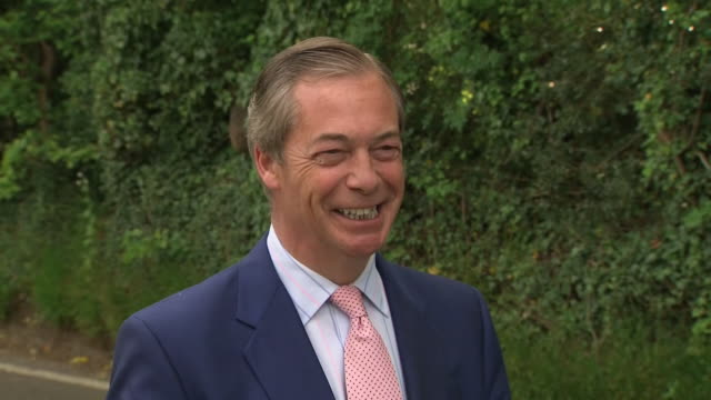 exterior shots of brexit party founder nigel farage arriving at a bromley polling station to vote in the european elections giving soundbites to the... - nigel farage stock videos & royalty-free footage