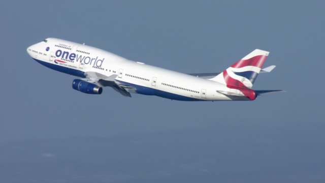 exterior shots of british airways plane taking off from heathrow airport on 29th january 2020 in london - off stock videos & royalty-free footage