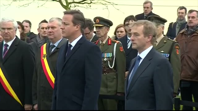 exterior shots of british prime minister david cameron and enda kenny prime minister of the republic of ireland visiting the island of ireland peace... - 戦争記念碑点の映像素材/bロール