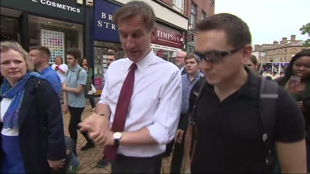 exterior shots of british secretary of state for foreign affairs and conservative party leadership candidate jeremy hunt mp campaigning meeting... - 政治家 ジェレミー ハント点の映像素材/bロール