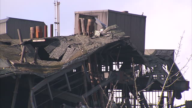 exterior shots of building wreckage a week after didcot power station collapse on march 01 2016 in didcot england the boss of the firm demolishing... - didcot stock videos and b-roll footage