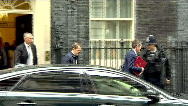 exterior shots of cabinet ministers departing from number 10 downing street including defence secretary gavin williamson brexit secretary david davis... - liam fox politician stock videos and b-roll footage