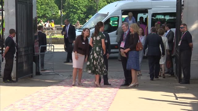 exterior shots of catherine duchess of cambridge arriving at the chelsea flower show on 22nd may 2017 london england - chelsea flower show stock videos & royalty-free footage