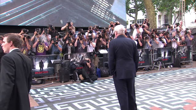 stockvideo's en b-roll-footage met exterior shots of celebrities arriving on the red carpet at the premiere of inception including leonardo dicaprio ellen page ken watanabe michael... - première