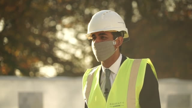 exterior shots of chancellor rishi sunak inspecting a building site meeting construction workers on 5 november 2020 in london, united kingdom - construction industry stock videos & royalty-free footage