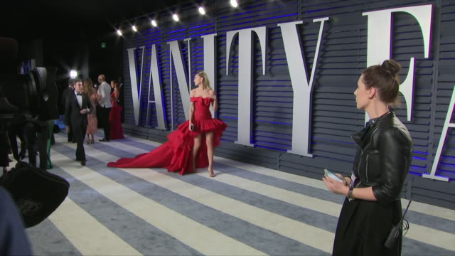 exterior shots of chiara ferragni on the red carpet of the 2019 vanity fair oscar party on 24th february 2019 in los angeles united states - vanity fair video stock e b–roll