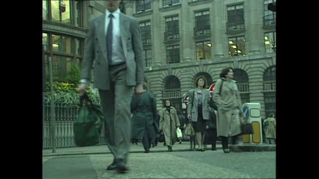 exterior shots of city workers walking in the city of london and the bank of england building on 27 october 1989 in london united kingdom - central london video stock e b–roll