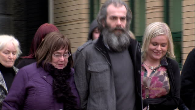 exterior shots of colin duffy man cleared of shooting sappers patrick quincy and mark quinsey walk from court surrounded by people colin duffy walk... - umgeben stock-videos und b-roll-filmmaterial