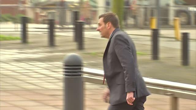 exterior shots of coronation street actor chris gascoyne arriving at preston crown court on in preston lancashire - ウィリアム・ローチ点の映像素材/bロール