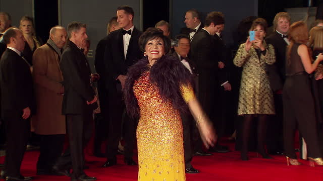 exterior shots of dame shirley bassey attending the royal world premiere of 'spectre' at royal albert hall on october 26, 2015 in london, england. - james bond fictional character stock-videos und b-roll-filmmaterial