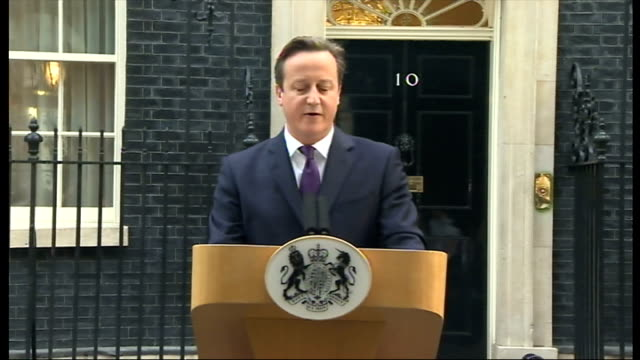 "exterior shots of david cameron's speech outside 10 downing street ""i am a passionate believer in our united kingdom and i wanted more than anything... - 2014 stock-videos und b-roll-filmmaterial"