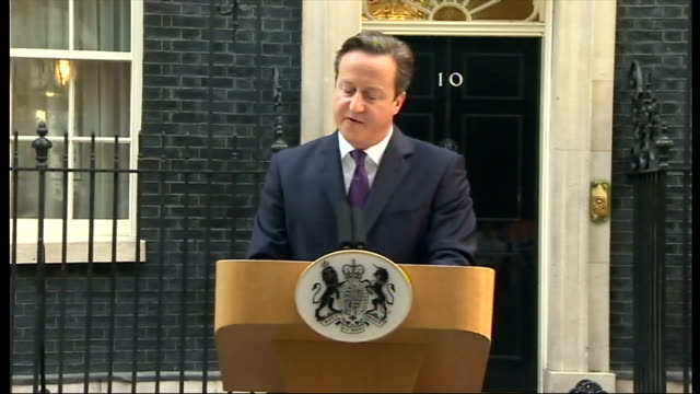 "exterior shots of david cameron's speech outside 10 downing street ""now we must look forward and turn this into the moment whe everyone which ever... - 2014 stock-videos und b-roll-filmmaterial"