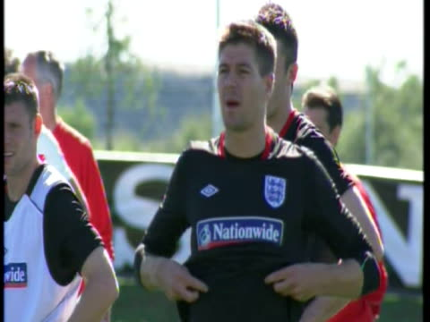 exterior shots of david james and emile heskey walk to training ground exterior shots of steven gerrard at training exterior shots of peter crouch... - national team stock videos & royalty-free footage