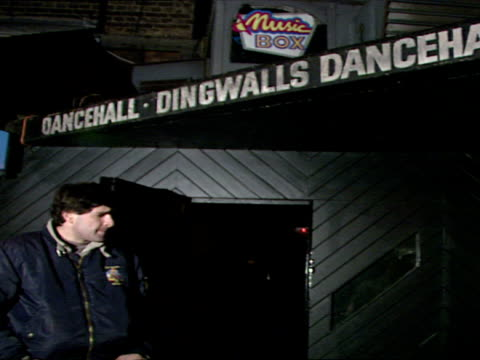 vídeos y material grabado en eventos de stock de exterior shots of dingwalls dancehall and samantha's discotheque in london's soho area with people hanging about outside including bouncers doormen... - soho londres