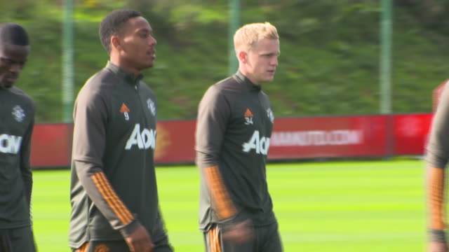 exterior shots of donny van de beek at training. - sports training stock videos & royalty-free footage
