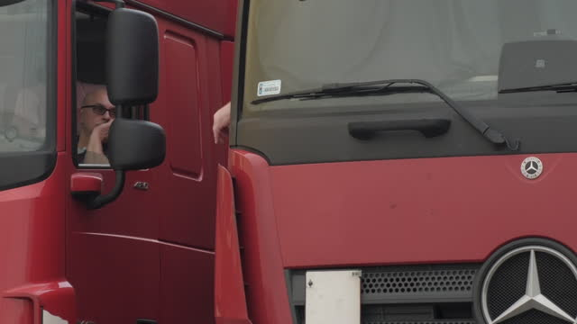 GBR: Government secrecy over its new border operating system is hindering the countrys Brexit preparations, according to haulage industry bosses who labelled the process a complete shambles.