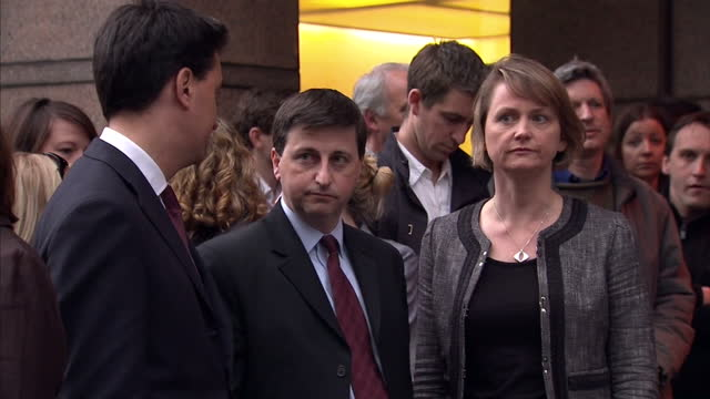 exterior shots of ed miliband, douglas alexander and yvette cooper stood outside labour hq in the wake of gordon brown's resignation on may 11, 2010... - douglas alexander stock videos & royalty-free footage