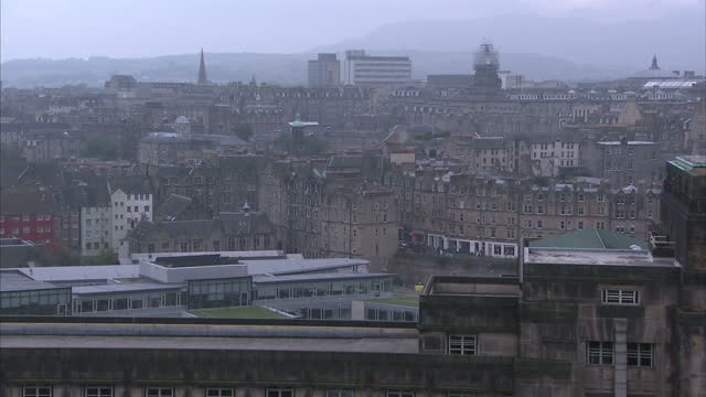exterior shots of edinburgh skyline showing residential houses on an overcast foggy day on september 18 2014 in edinburgh scotland - 2014 scottish independence referendum stock videos & royalty-free footage