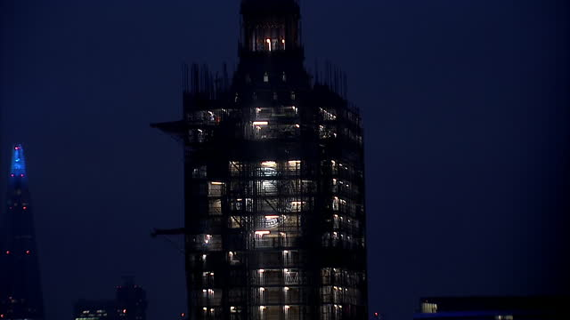 GBR: Scaffolding being removed from Elizabeth Tower