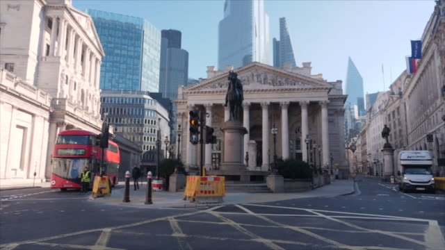 exterior shots of empty streets and roads around the bank of england and the royal exchange on 25th march 2020 london, united kingdom. - city stock videos & royalty-free footage