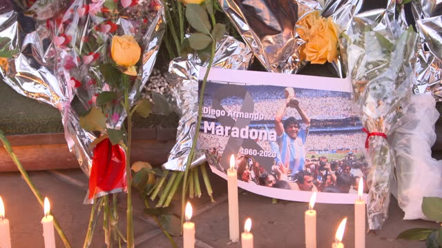 ARG: Huge crowds of fans have gathered to pay their respects to Diego Maradona, who died yesterday at the age of 60.