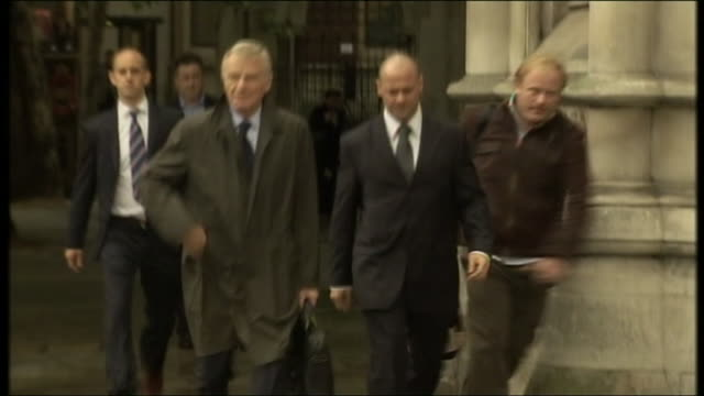 exterior shots of fia president max mosley arriving at the high court during the legal challenge against the news of the world on 8 july 2008 in... - news of the world stock-videos und b-roll-filmmaterial