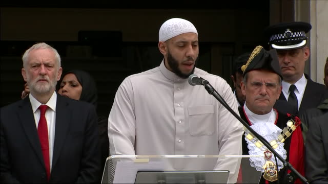 exterior shots of finsbury park imam mohammed mahmoud addresseing crowd at islington town hall on the one year anniversary of the finsbury park... - islington stock videos & royalty-free footage