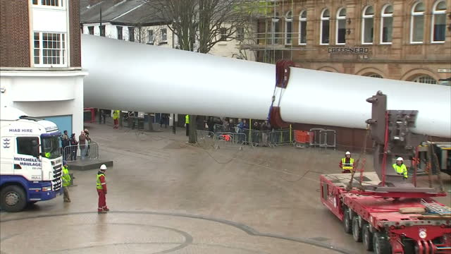 Exterior shots of giant sculpture being put up in Queen Victoria Square on January 08 2017 in Hull England A 75metre high artwork by Nayan Kulkarni...