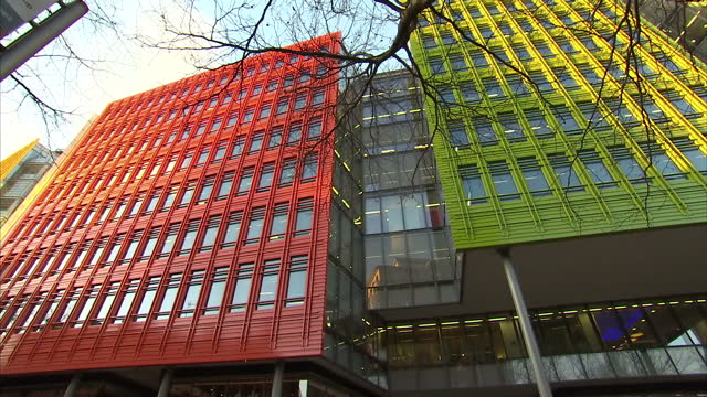 stockvideo's en b-roll-footage met exterior shots of google hq and youtube hq buildings on february 11 2015 in london england - hoofdkantoor