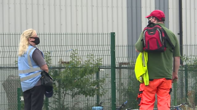 vidéos et rushes de exterior shots of greencore food production plant with several staff outside on 13 august 2020 in northampton, united kingdom - northampton