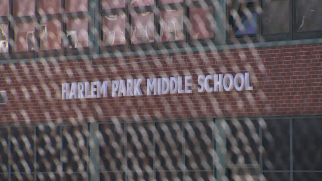 exterior shots of harlem park middle school on 26 november 2019 in baltimore, maryland, usa - fatiscente video stock e b–roll