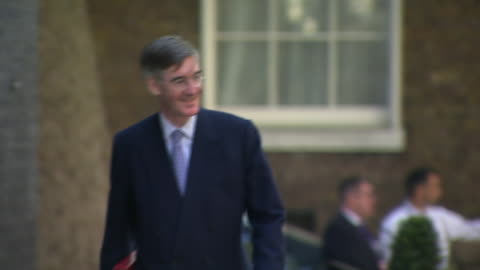 exterior shots of jacob rees-mogg, leader of the house of commons and lord president of the council arriving at 10 downing street for cabinet meeting... - cabinet stock videos & royalty-free footage