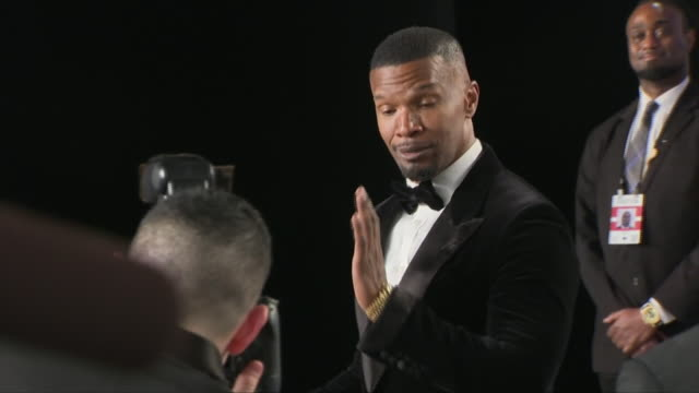 exterior shots of jamie fox on the red carpet of the 2019 vanity fair oscar party on 24th february 2019 in los angeles, united states. - vanity fair oscar party stock videos & royalty-free footage