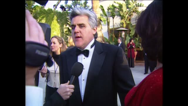 exterior shots of jay leno speaking to the press on the red carpet for the 71st academy awards at the dorothy chandler pavilion on 21st march 1999 in... - dorothy chandler pavilion stock videos and b-roll footage