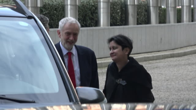 exterior shots of jeremy corbyn with sir keir starmer and baroness sharmishta chakrabarti arriving at the berlaymont the eu commission headquarters... - jeremy corbyn stock videos and b-roll footage