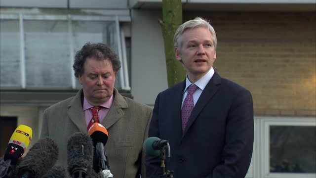 exterior shots of julian assange making press statement after first day of extradition hearing lawyer mark stephens stood beside him assange... - 40 seconds or greater stock videos & royalty-free footage