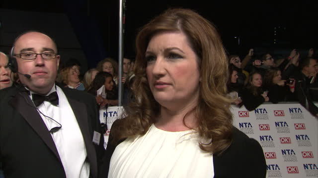 exterior shots of karren brady west ham united vice chairman on red carpet at national television awards 2012 and speak to sky news camera about the... - カレン ブラディ点の映像素材/bロール