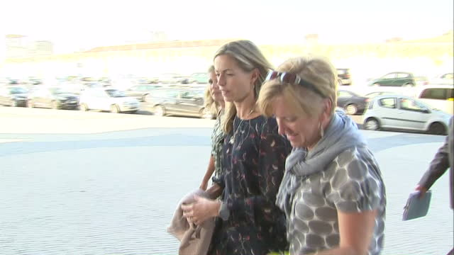 exterior shots of kate mccann arriving at a court hearing being followed by a reporter kate mccann arriving at lisbon civil court on september 12... - kate mccann stock videos & royalty-free footage
