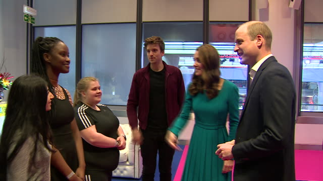 vídeos y material grabado en eventos de stock de exterior shots of kate middleton and prince william at the bbc talking to children and radio 1 dj greg james about cyberbullying as part of... - greg james