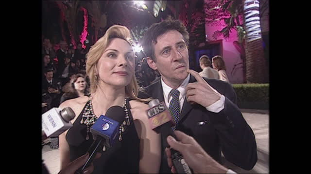 exterior shots of kim cattrall and gabriel byrne on the oscars vanity fair party red carpet on 26th march 2001 in los angeles, california, united... - vanity fair stock videos & royalty-free footage