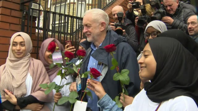 exterior shots of labour leader jeremy corbyn arriving at finsbury park mosque and photop with young muslims in london on 3 march 2019 united kingdom - jeremy corbyn stock videos and b-roll footage